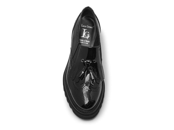 Patent loafer with fringe
