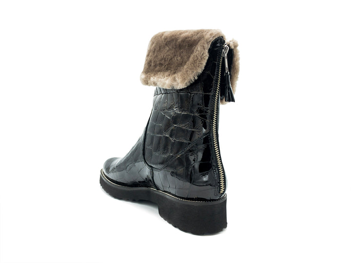 Leather croco boot with shearling