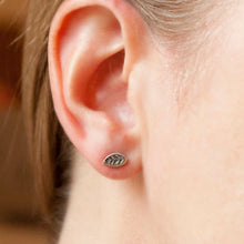 Load image into Gallery viewer, s925 Sterling Silver Mini Leaf Studs - lizamari