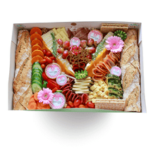 Lade das Bild in den Galerie-Viewer, a birthday box full of cheese, meat, vegetable, fruits, dips, jam, flower