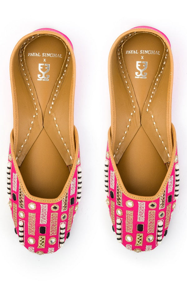 Top of the Pops : Juttis - Payal Singhal x Fizzy Goblet