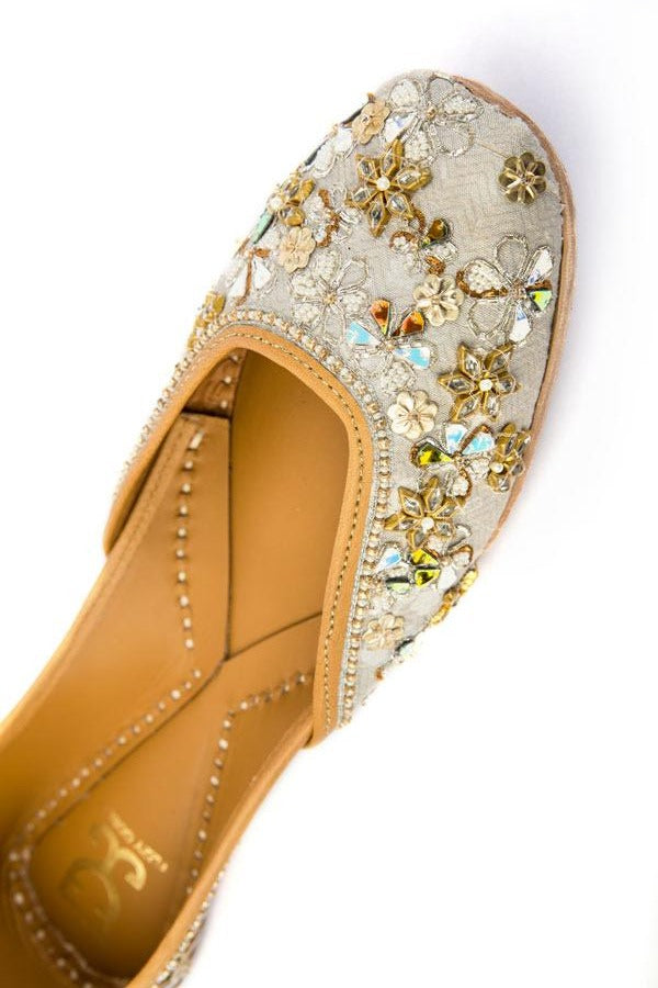 Sparkle and Shine Juttis