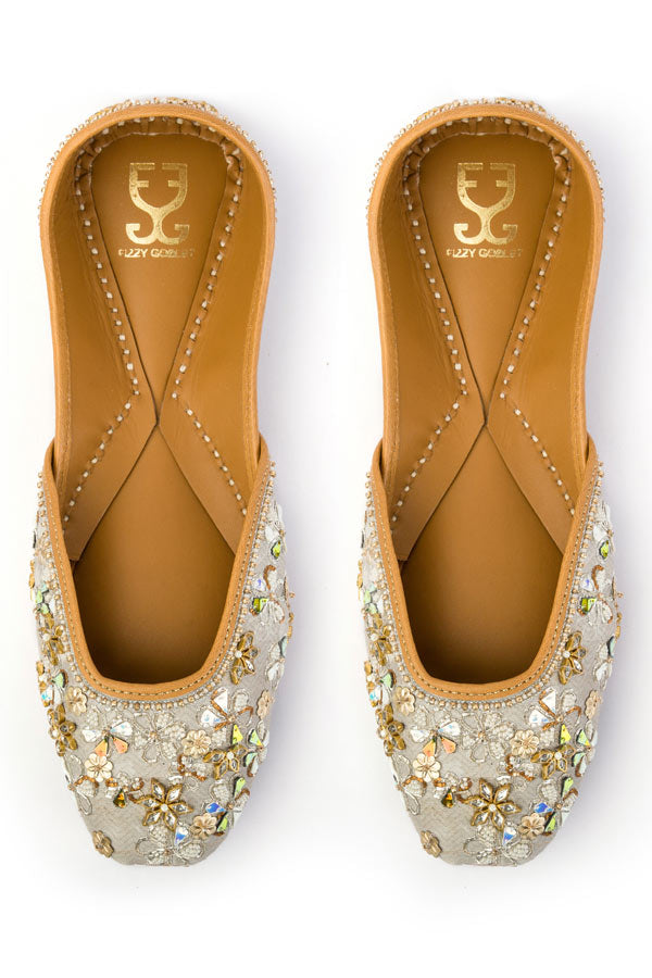 Sparkle and Shine : Juttis
