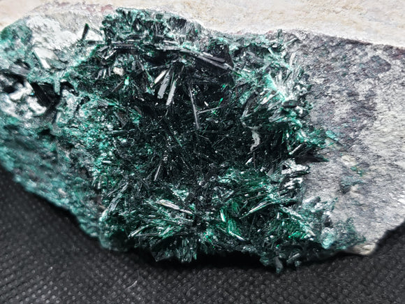 Brochantite specimen