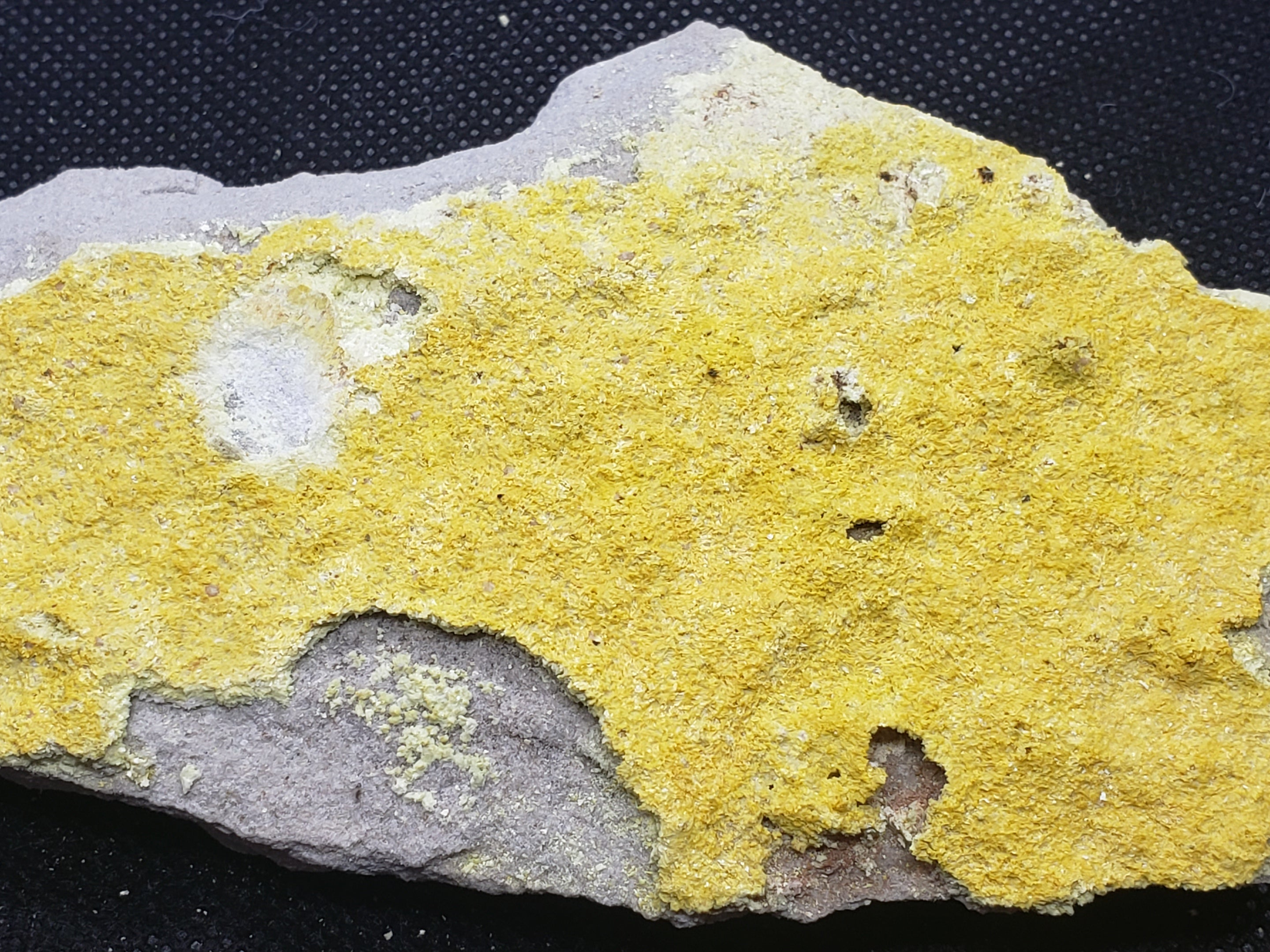 Metarossite with Rossite specimen