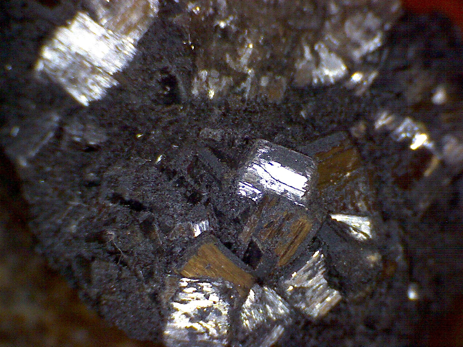 Ramsdellite crystals