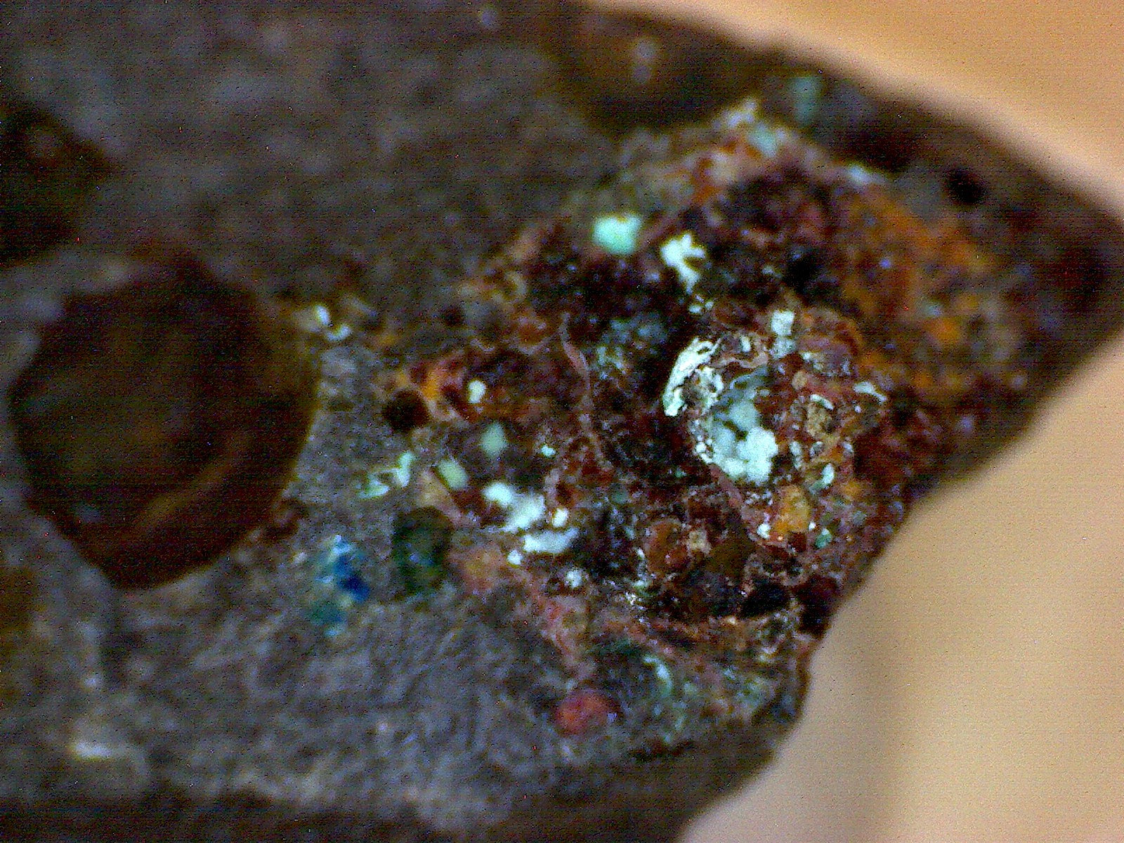 Cyanotrichite w aurichalcite and cuprite