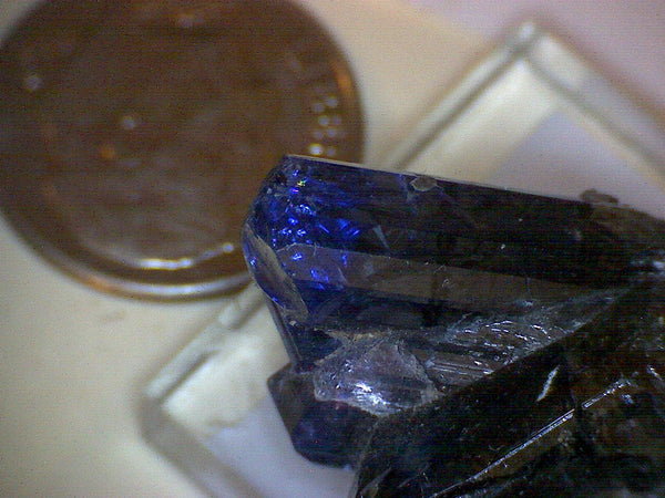 Tanzanite Twinned crystal Cluster