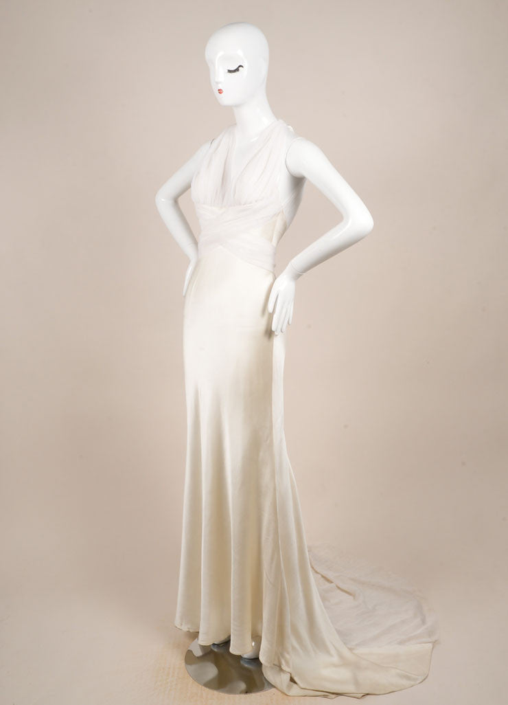 Vera Wang Cream Tulle and Satin Sleeveless V-Neck Short Train Wedding Gown Sideview