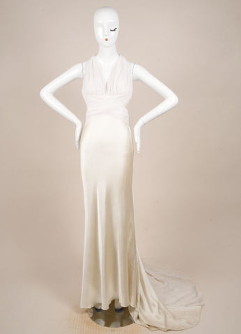 Vera Wang Cream Tulle and Satin Sleeveless V-Neck Short Train Wedding Gown Frontview