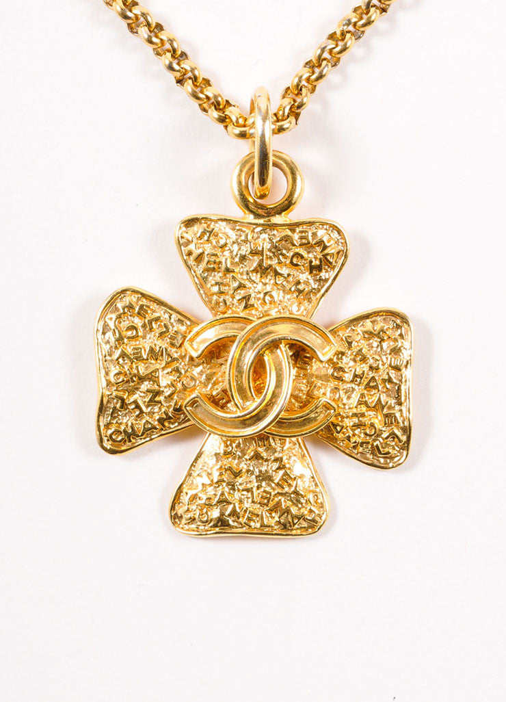"Chanel Gold Toned ""CC"" Four Leaf Clover Pendant Necklace Detail"