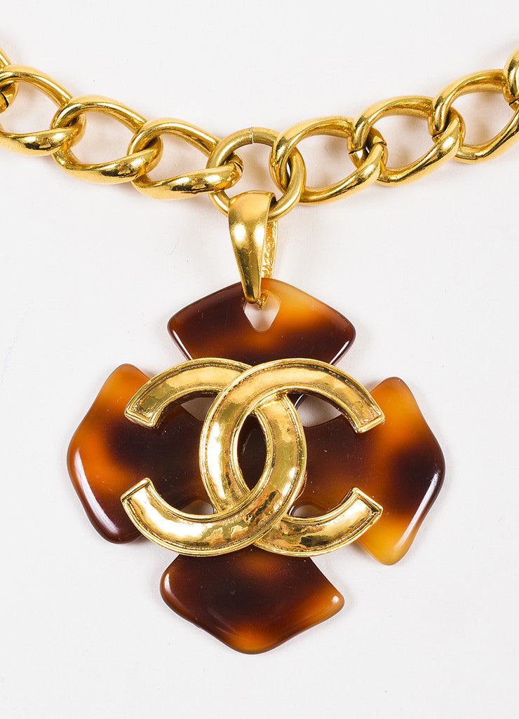 Chanel Gold Toned Chain Link Tortoise Shell Clover 'CC' Pendant Necklace Detail 2