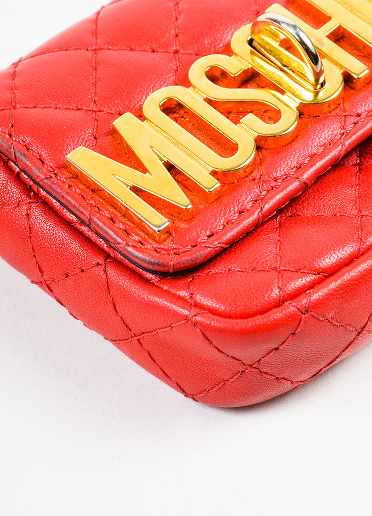 Moschino Red and Gold Toned Leather Quilted Mini Crossbody Belt Bag Detail