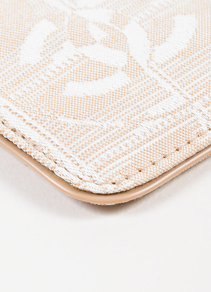 Chanel Nude Leather White Woven Silk 'CC' Logo Card Holder Detail