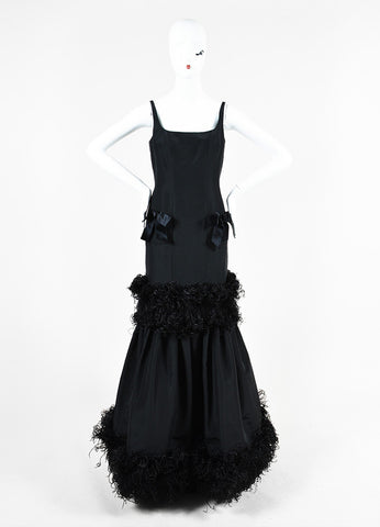 Oscar de la Renta Black Taffeta Ostrich Feather Mermaid Silhouette Gown Frontview