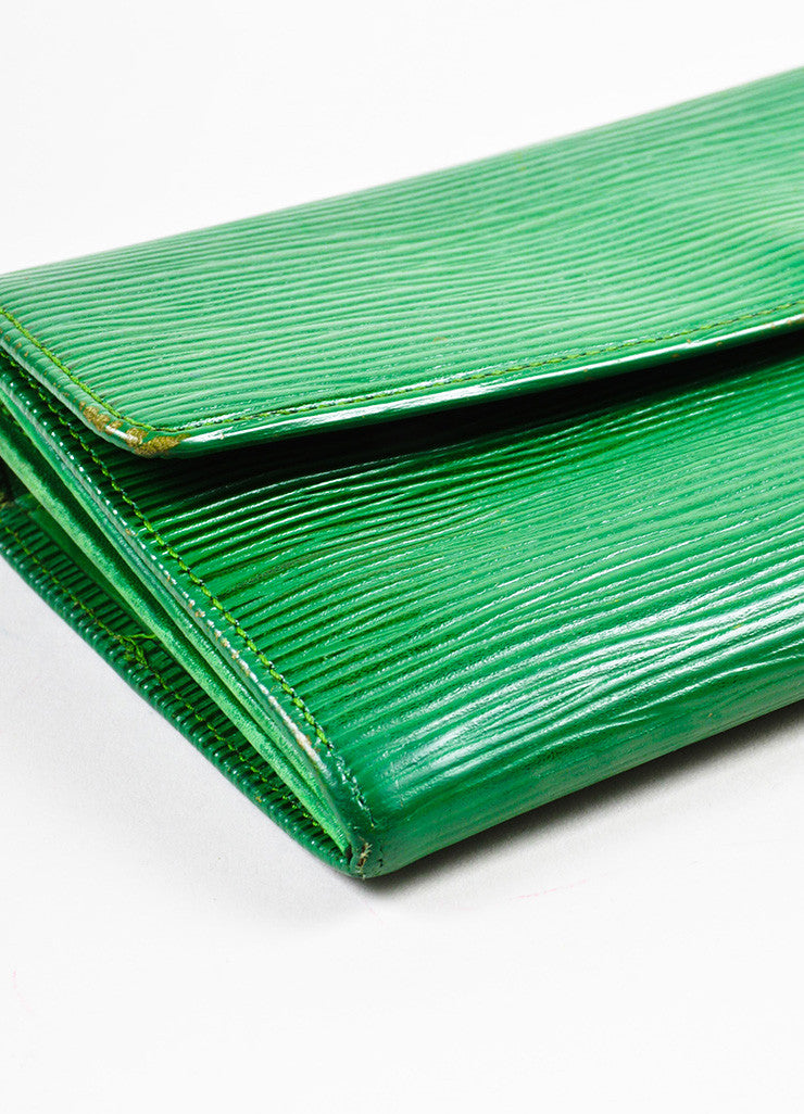 Louis Vuitton Green Epi Leather Long Wallet Detail