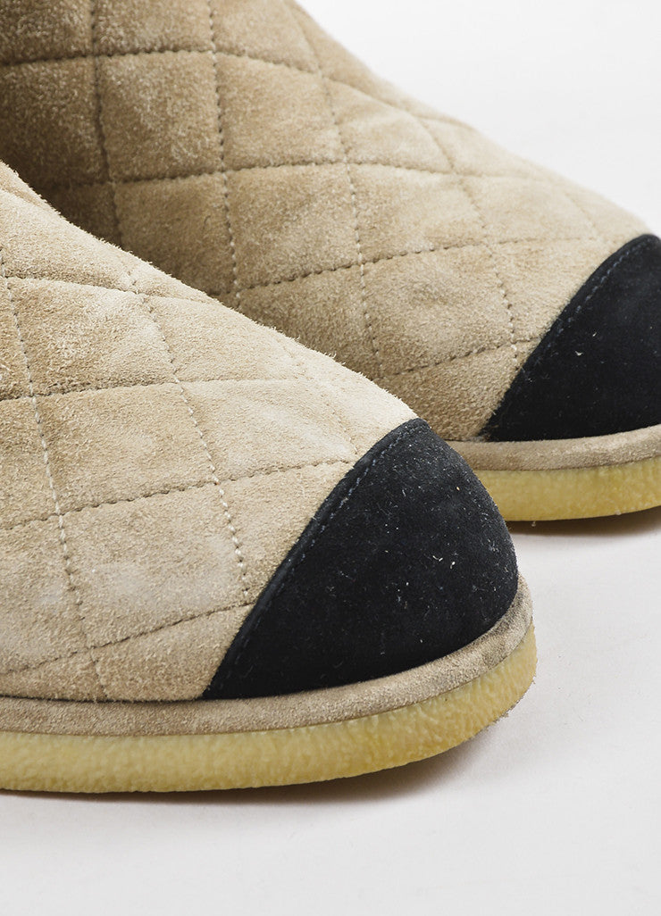 Chanel Beige Suede Shearling Quilted Cap Toe Ankle Boots Detail
