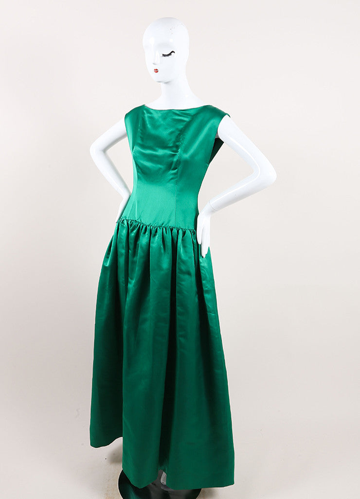Oscar de la Renta Emerald Green Satin Pleated Sleeveless Full Gown  Sideview