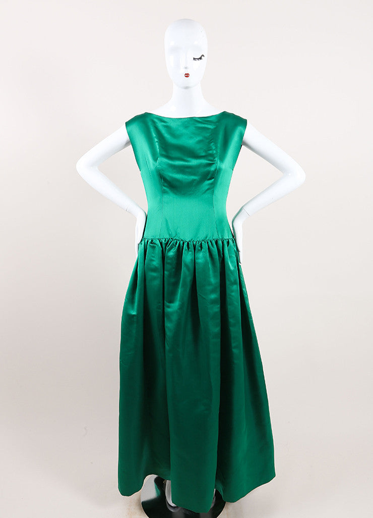 Oscar de la Renta Emerald Green Satin Pleated Sleeveless Full Gown Frontview