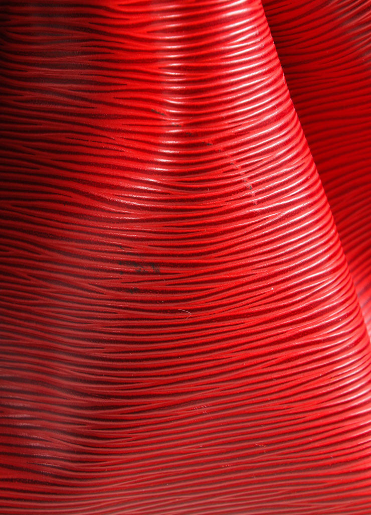 "Louis Vuitton Red Epi Leather ""Noe"" Bucket Bag Detail 2"