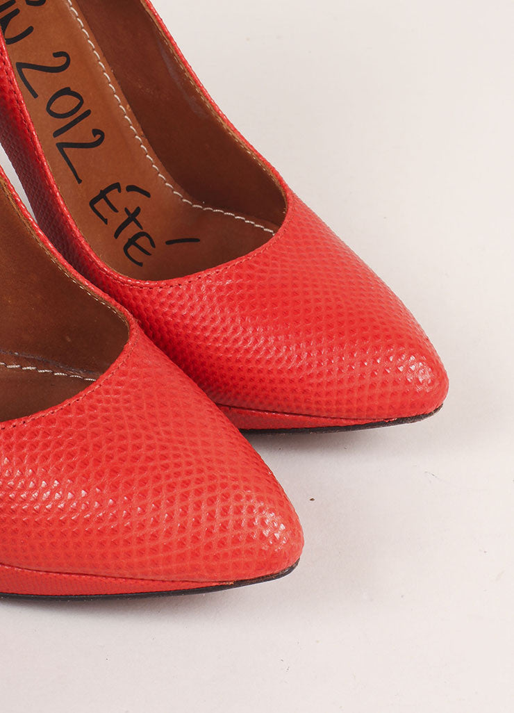 Lanvin Red and Gunmetal Pointed Toe Comma Heel Textured Leather Pumps Detail