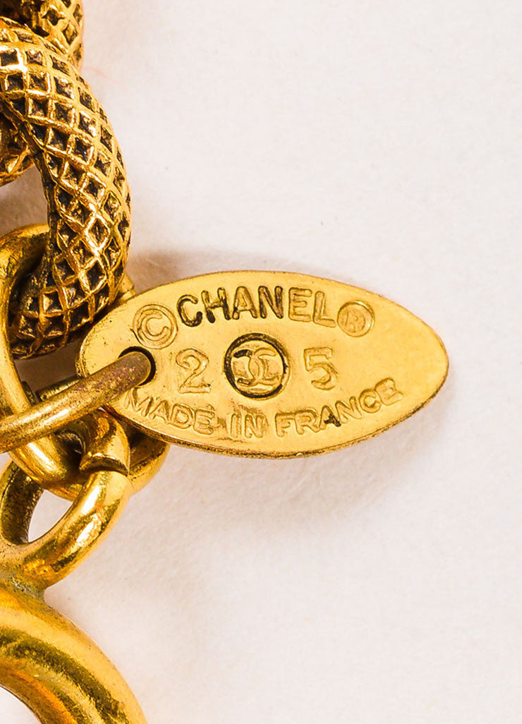 Gold Tone Chanel Etched Magnifying Glass Pendant Necklace Brand