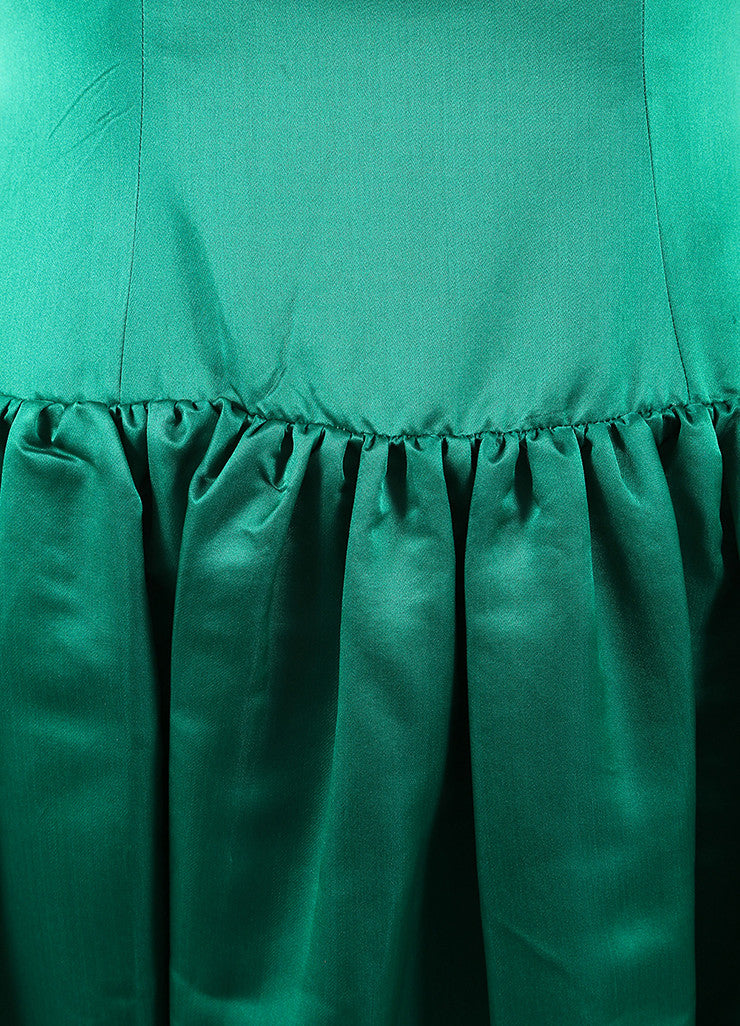 Oscar de la Renta Emerald Green Satin Pleated Sleeveless Full Gown Detail