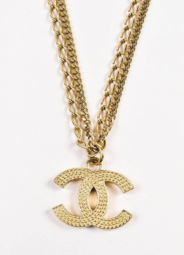 Gold Tone Chanel Double Mixed Link Chain 'CC' Logo Pendant Necklace Detail