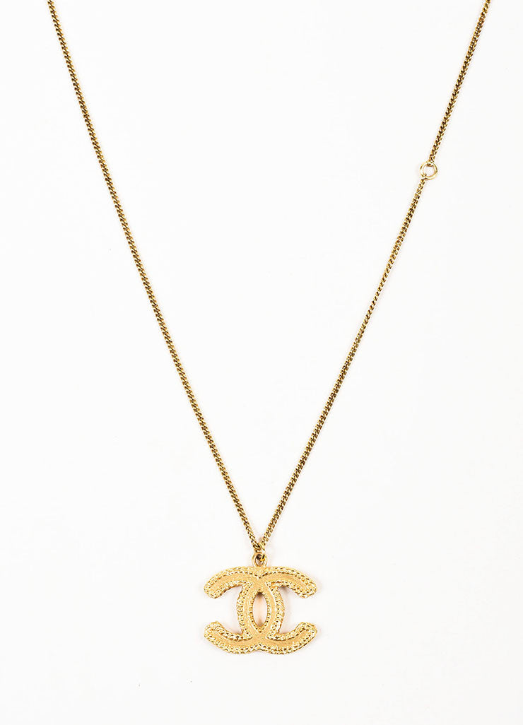 Gold Toned Chanel Textured 'CC' Logo Pendant Chain Necklace Detail