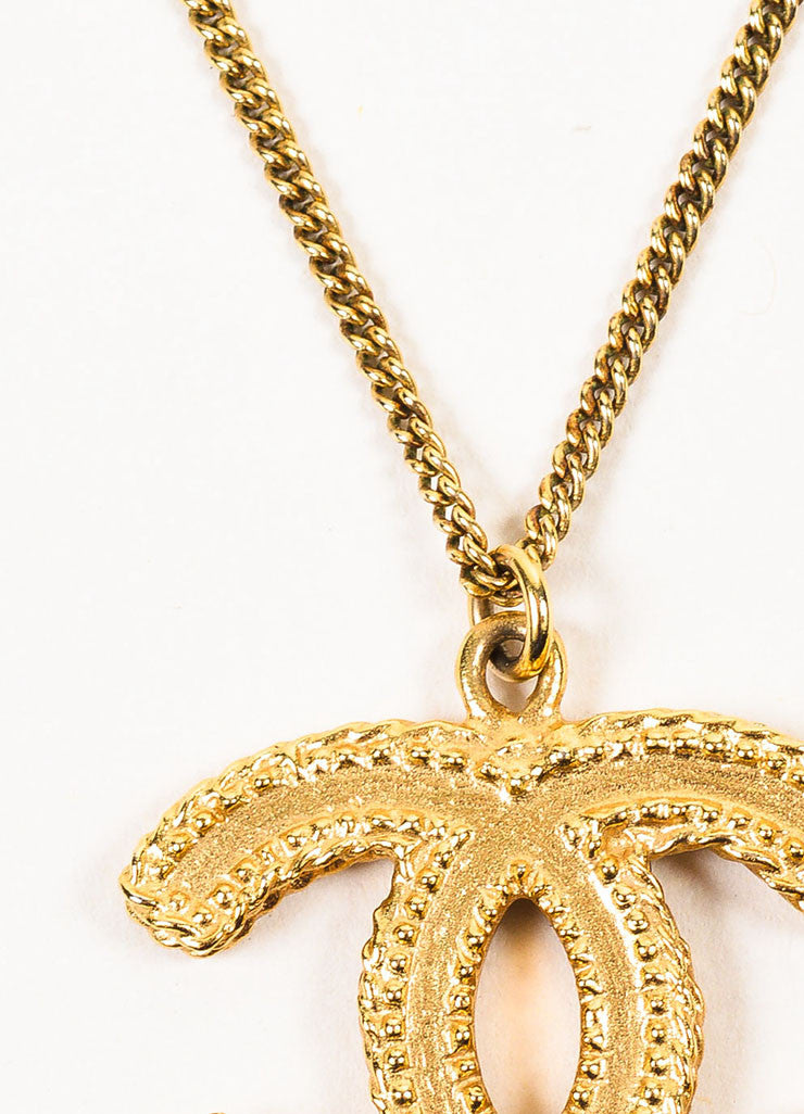 Gold Toned Chanel Textured 'CC' Logo Pendant Chain Necklace Detail 2