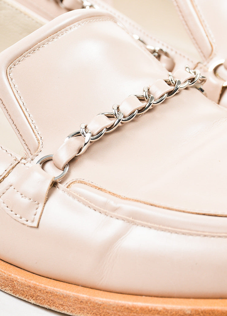 Chanel Pale Pink, Tan, and Silver Toned Leather Chain Trim Loafers Detail