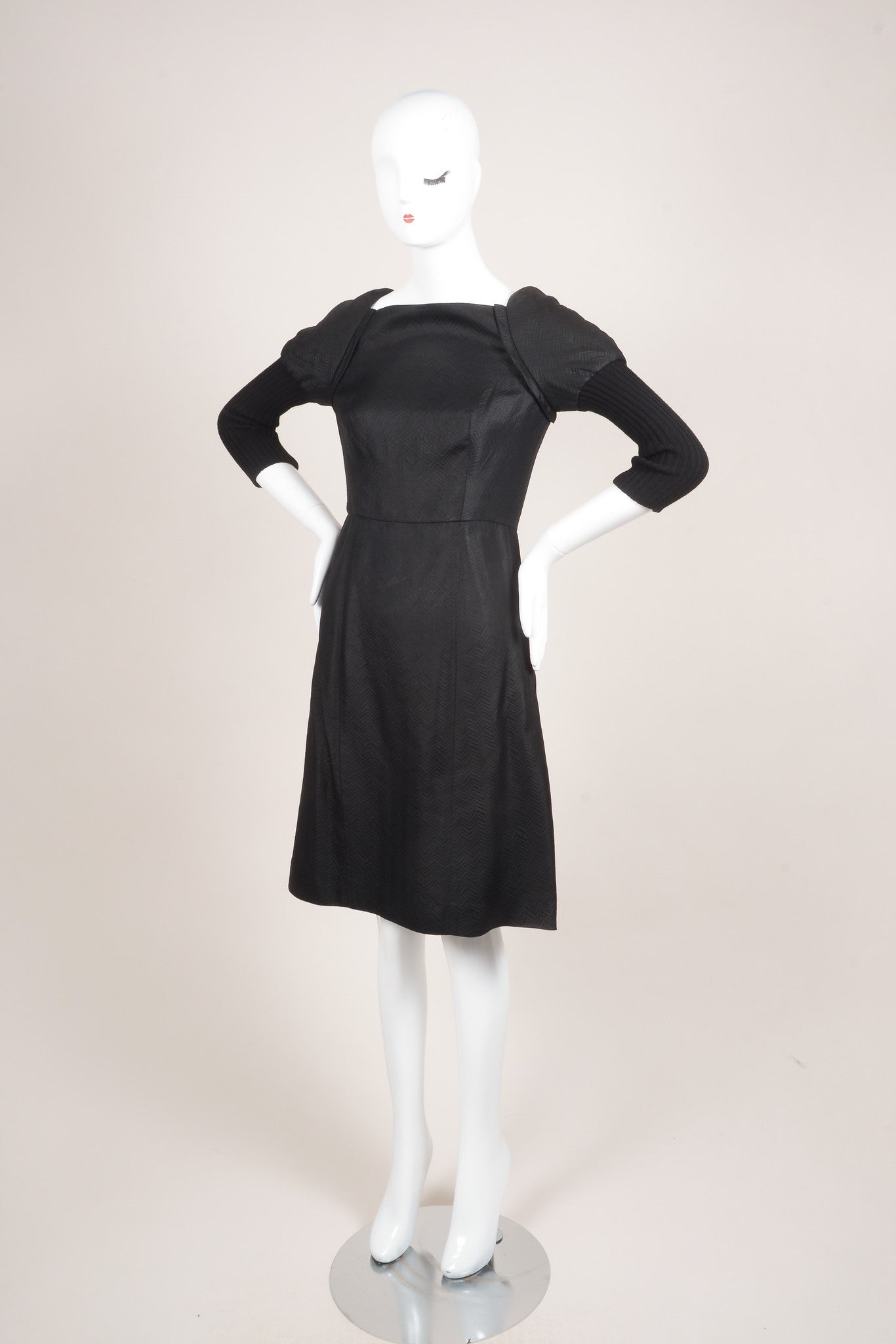 Vera Wang Black Zig Zag Mattelasse Combo Juliet Sleeve Sheath Dress Sideview