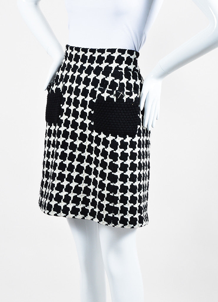 Black and White Chanel Wool Blend Tweed Houndstooth Knit A-Line Skirt Sideview