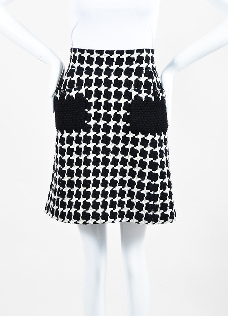 Black and White Chanel Wool Blend Tweed Houndstooth Knit A-Line Skirt Frontview