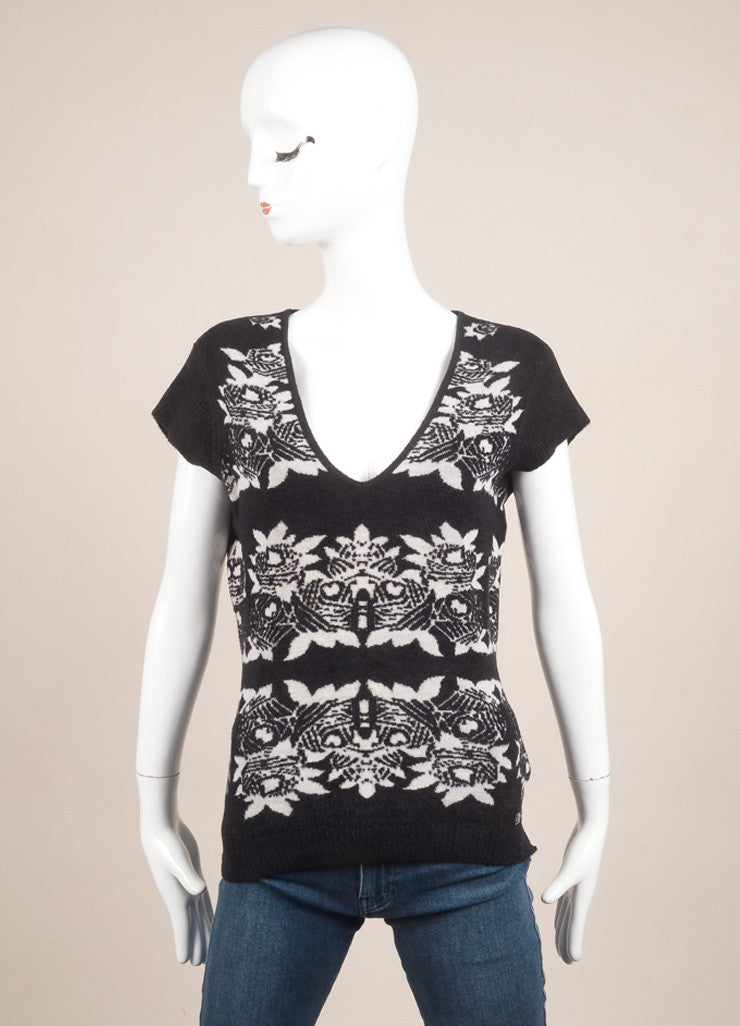 Chanel Black and White Wool Blend Floral Knit Cap Sleeve Sweater Frontview