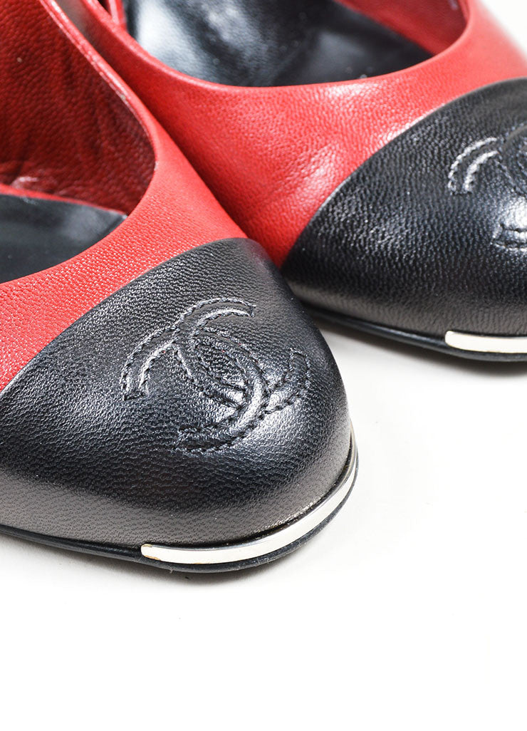 Red and Black Chanel Leather 'CC' Cap Toe Slingback High Heel Pumps Detail