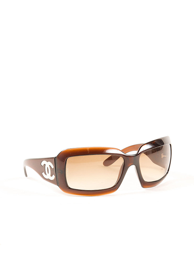 "Chanel Tortoise and White Plastic and Mother of Pearl ""CC"" Logo ""5076H"" Sunglasses Frontview"