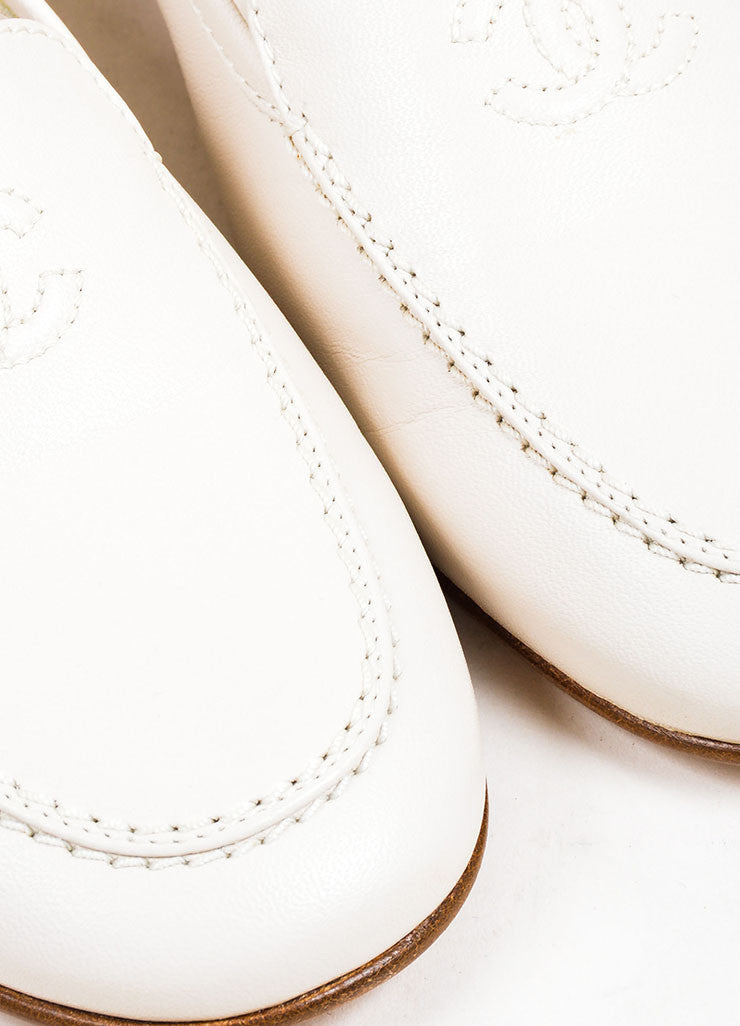 Beige Leather Chanel 'CC' Embroidered Round Toe Moccasin Loafers Detail