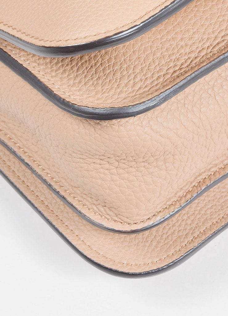 "Gucci Tan Pebble Leather ""Jackie Soft"" Silver Toned Closure Shoulder Bag Detail"