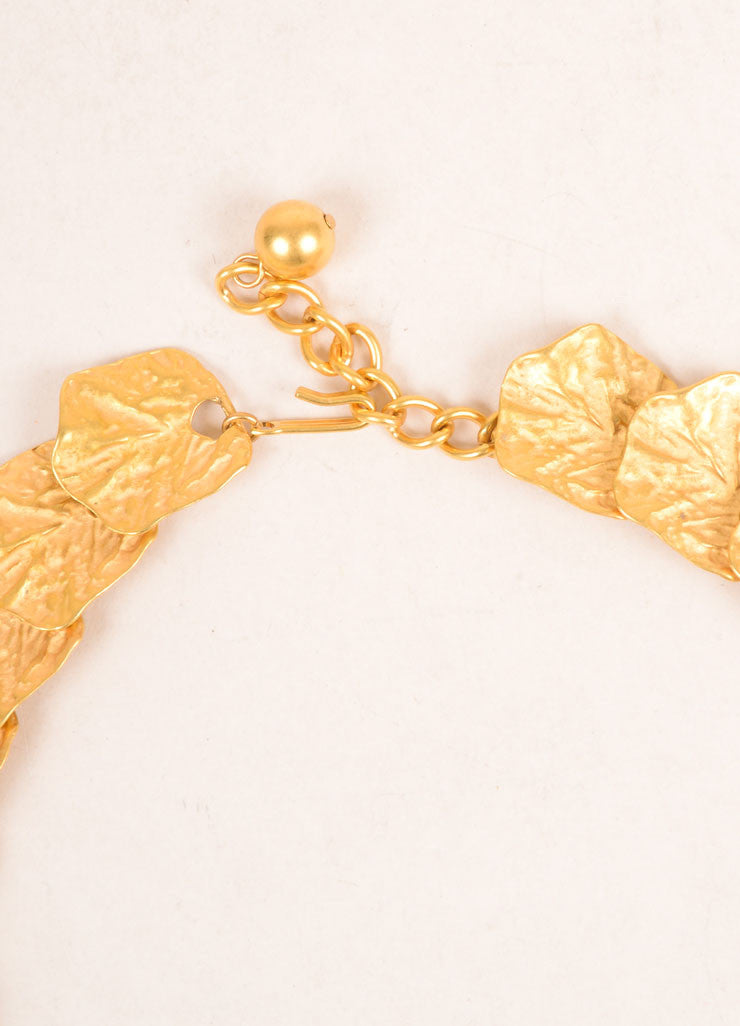 Kenneth Jay Lane Gold Toned Leaf Link Necklace Closure