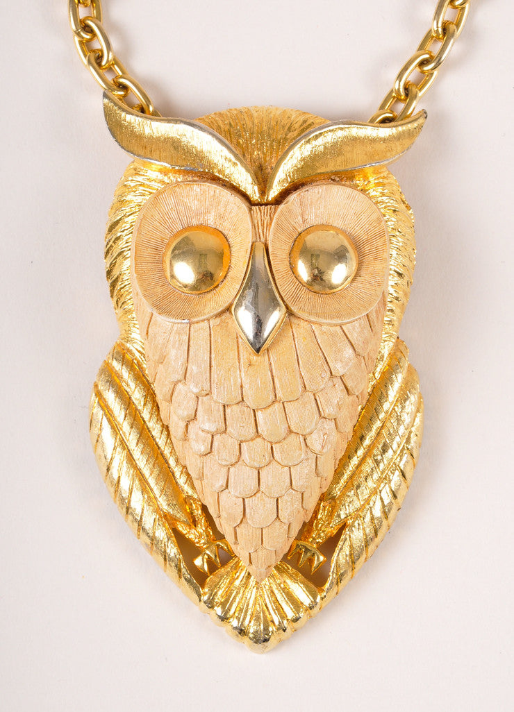 Vintage Gold Toned Metal and Plastic Oversized Owl Chain Necklace Detail