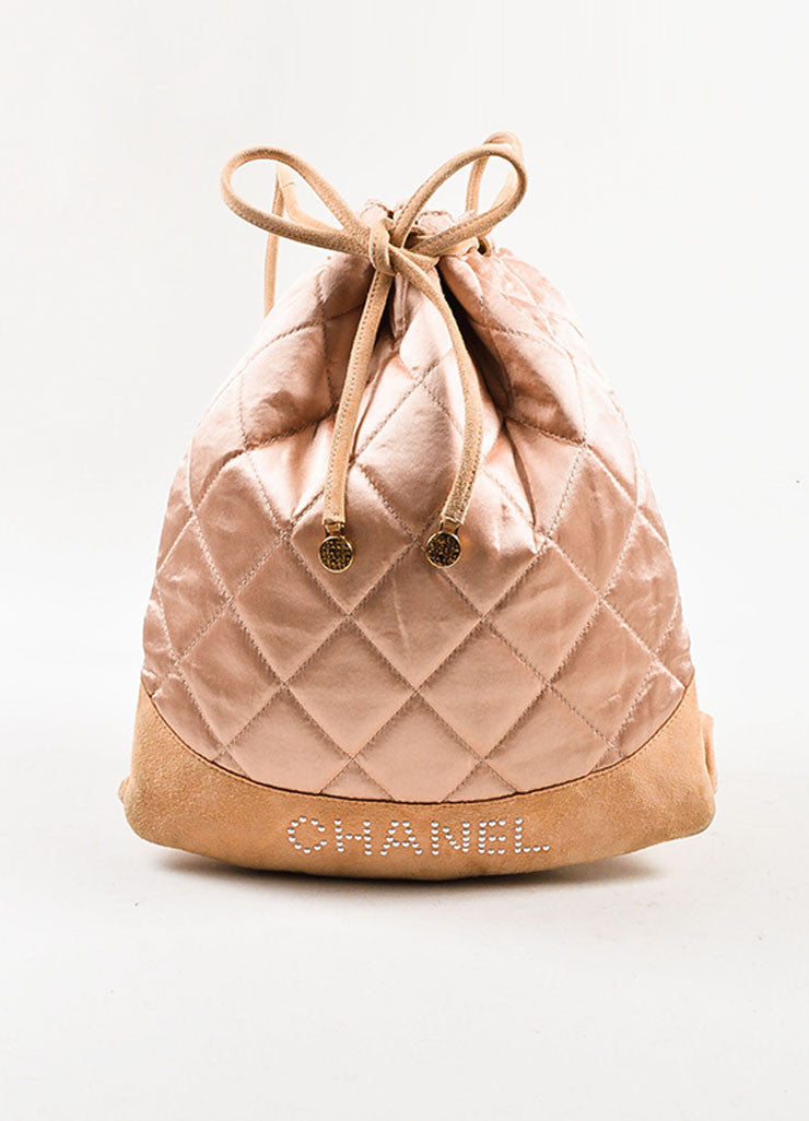 å´?ÌÜChanel Blush Pink Suede Satin Quilted Faux Pearl Drawstring Backpack Bag Frontview