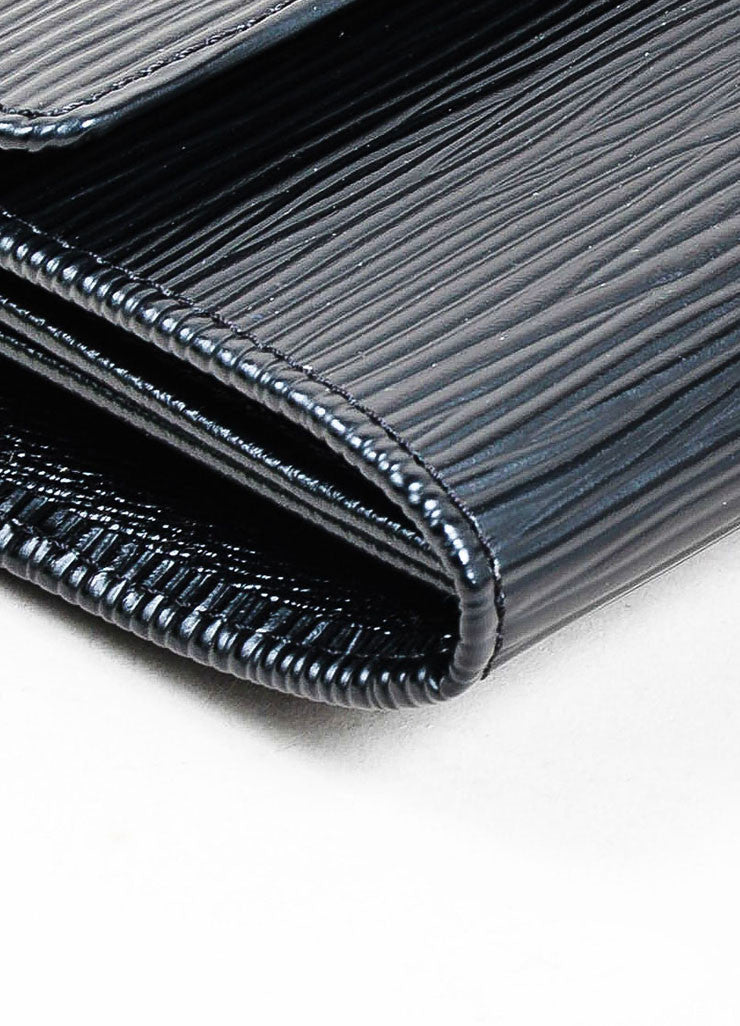 "Black ¥éËLouis Vuitton Textured Leather ""Epi"" Long Snap Wallet Detail"
