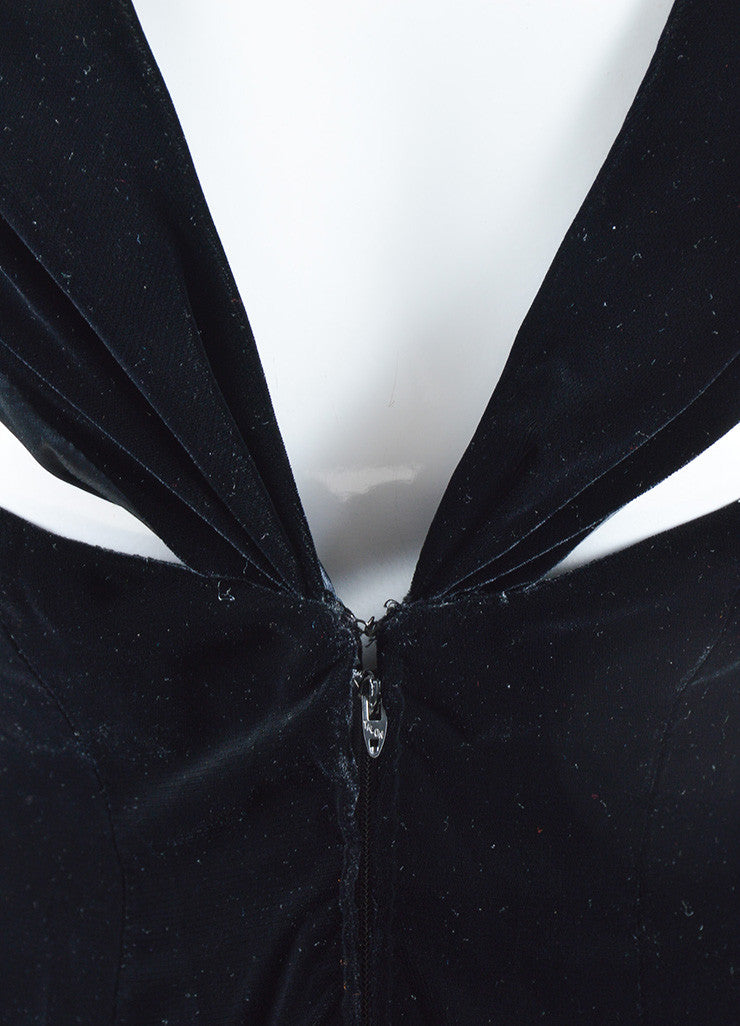 Oscar de la Renta Black Velvet Draped Full Length Sleeveless Gown Detail