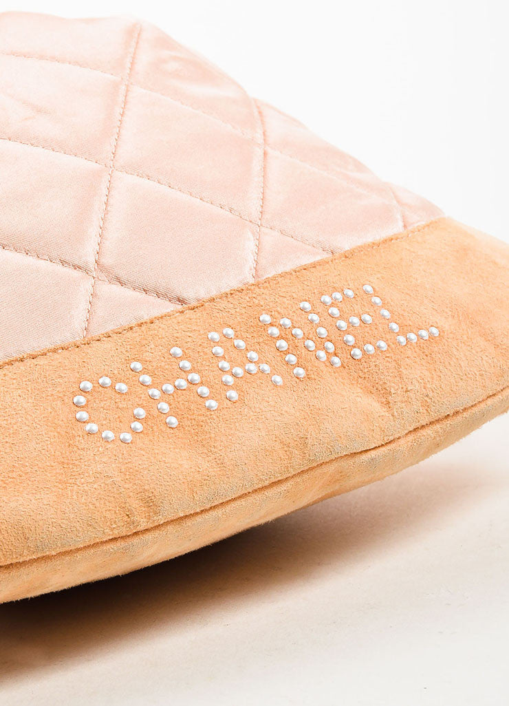 å´?ÌÜChanel Blush Pink Suede Satin Quilted Faux Pearl Drawstring Backpack Bag Detail
