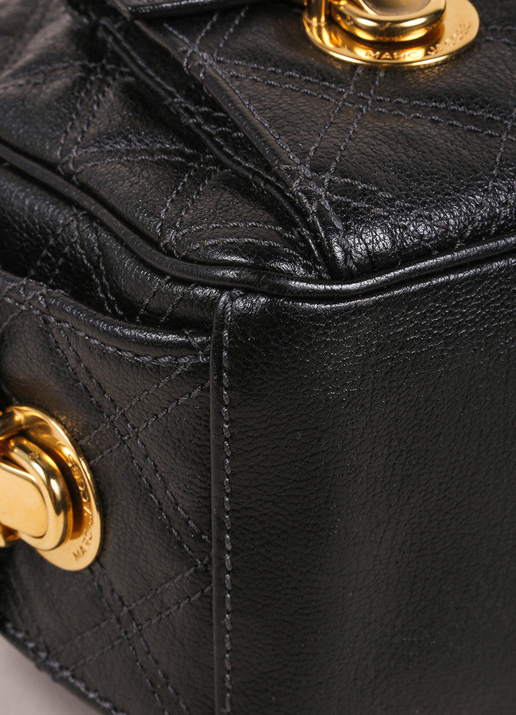 Marc Jacobs Black Quilted Leather Multipocket Chain Hobo Bag Detail