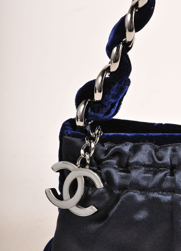 Chanel Navy Blue and Silver Toned Velvet Chain Strap Small Handbag Detail 2