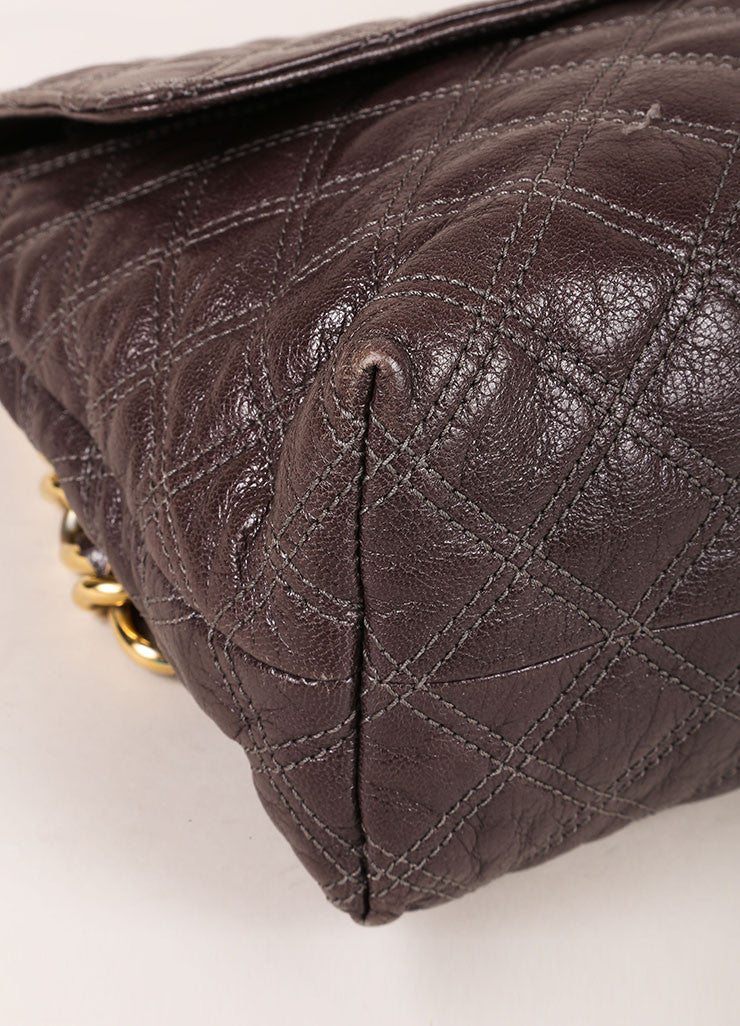 "Marc Jacobs Grey and Gold Toned Quilted Leather Chain Strap ""The XL Single"" Bag Detail"