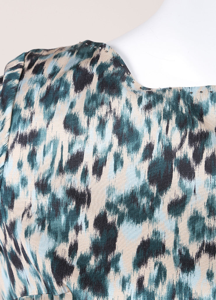 Marc Jacobs New With Tags Green and Multicolor Wool and Silk Printed Crop Sleeve Dress Detail