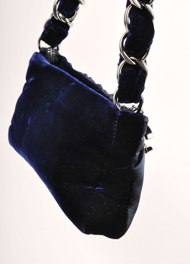 Chanel Navy Blue and Silver Toned Velvet Chain Strap Small Handbag Detail 3